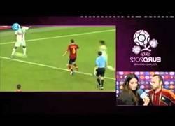 Enlace a Sara Carbonero sorprendiendo a Iniesta y a media España