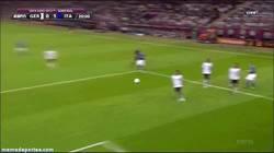 Enlace a GIF: Golazo de Balotelli frente a Alemania
