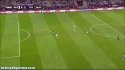 Enlace a GIF: Así las clava Balotelli a Alemania
