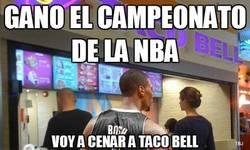 Enlace a Gano el campeonato de la NBA