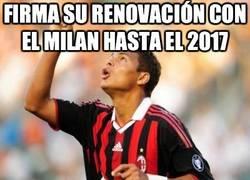 Enlace a Firma su renovación con el Milan hasta el 2017