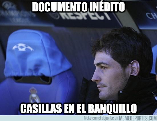 10946 - Casillas en el banquillo