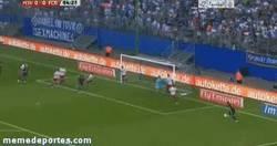 Enlace a GIF: Trallazo de Dani Alves en el primer amistoso del Barça
