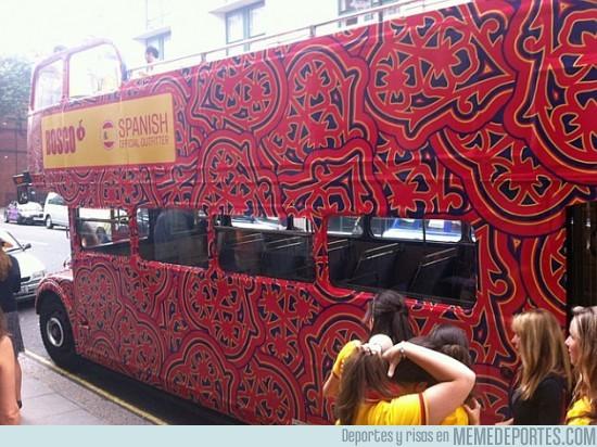 13506 - Y para acabar de ridiculizarnos... El autobús español
