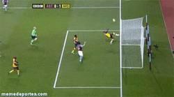 Enlace a GIF: Cómo evitar un gol con estilo