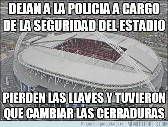 13993 - Dejan a la policía a cargo de la seguridad del estadio