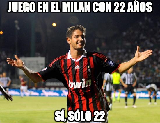 9727 - Juego en el Milan con 22 años