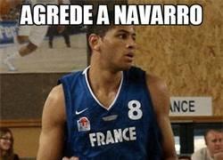Enlace a Agrede a Navarro y tan pancho