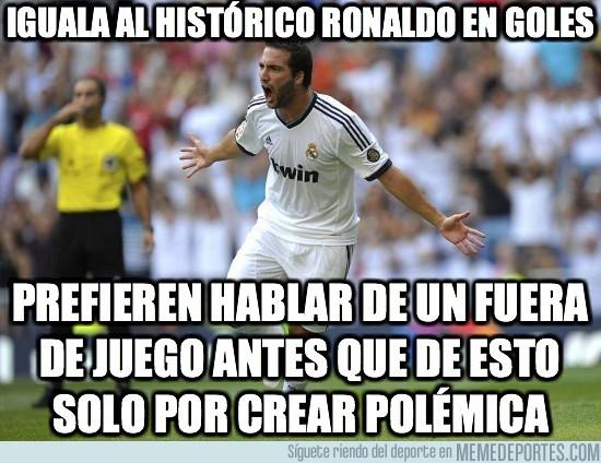 17579 - Iguala al histórico Ronaldo en goles