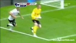 Enlace a GIF: De Gea marcándose un Valdés