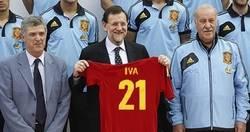 Enlace a Rajoy con la nueva camiseta de España