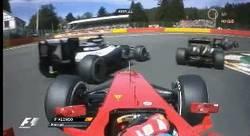 Enlace a GIF: Accidente desde el coche de Alonso