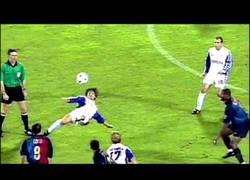 Enlace a El mejor gol de la historia de la Champions