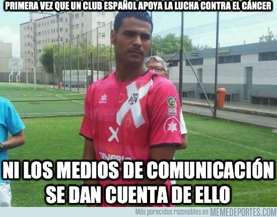 22582 - Es la primera vez que un  club español apoya al cáncer