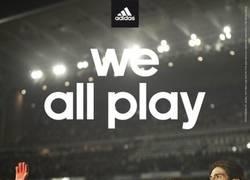 Enlace a ¿We all play? Adidas trolleando a kaká