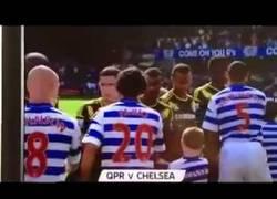 Enlace a VÍDEO: Le niegan el saludo a Terry