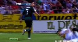 Enlace a GIF: Cicinho vs Ronaldo