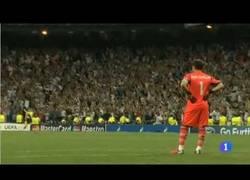 Enlace a VÍDEO: Casillas no celebra el gol de Cristiano