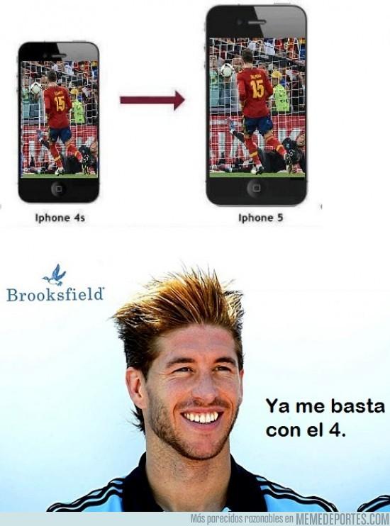 24909 - A Ramos ya le vale con el Iphone 4.