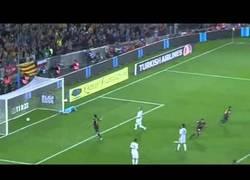 Enlace a VÍDEO: Gol de Messi ante el Real Madrid