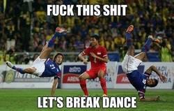 Enlace a It's time to break dance!