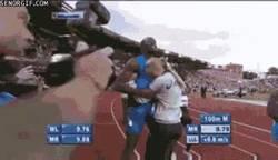 Enlace a GIF: Fans locas de Bolt
