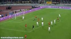 Enlace a GIF: Golazo de jugada de España