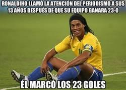 Enlace a Enorme Ronaldinho