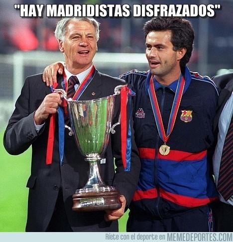 30079 - Madridistas disfrazados