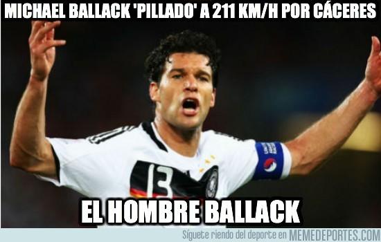 30645 - Michael Ballack 'pillado' a 211 km/h por Cáceres