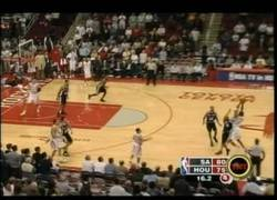 Enlace a VÍDEO: ¡Tracy McGrady vuelve a la NBA! [remember 13 puntos en 33 segundos]