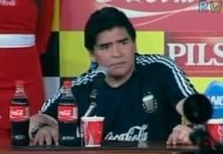 Enlace a GIF: Frase mítica de Maradona