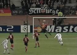 Enlace a GIF: Mágico Zidane [Remember]