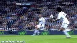Enlace a GIF: Simplemente Cristiano Ronaldo