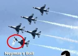 Enlace a El balón de Neymar
