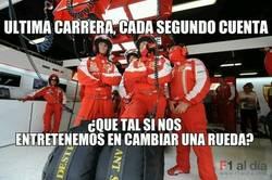 Enlace a Mecánicos de Ferrari