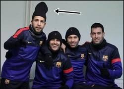 Enlace a ¿Qué oculta Jordi Alba ahí dentro?