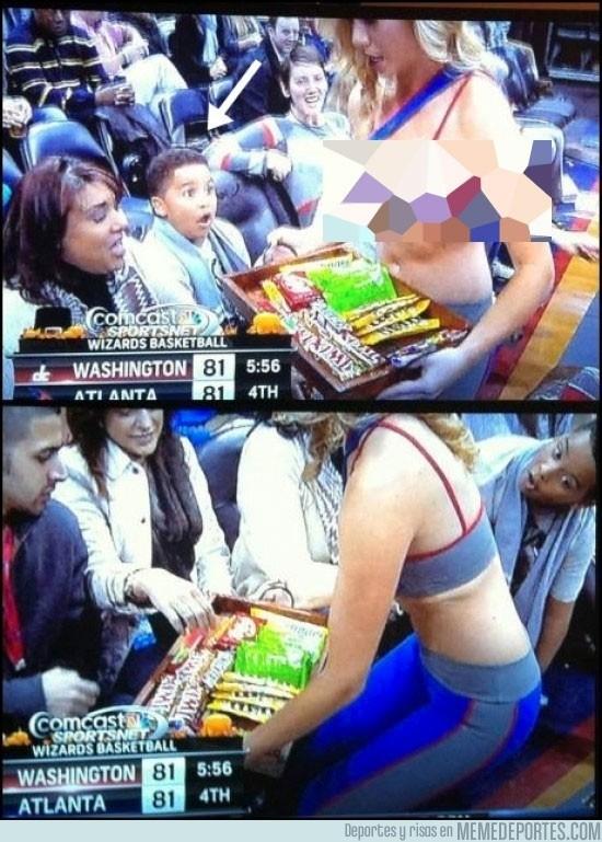 42683 - Este niño acaba de descubrir cuál es su caramelo favorito