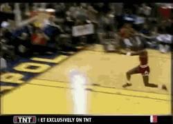 Enlace a GIF: Simplemente, Michael Jordan