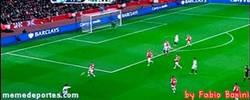 Enlace a GIF: El Swansea de Michu imitando el tiki-taka del Barça