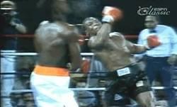 Enlace a GIF: Así era Mike Tyson aplastando cráneos