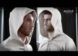 Enlace a VÍDEO: Piqué y Ramos en el Assasins Creed