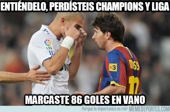 50736 - Pepe bajando del pedestal a Messi
