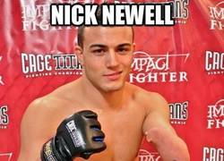 Enlace a Nick Newell, con un brazo y dos cojones