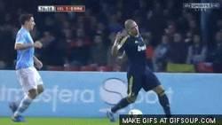 Enlace a GIF: Pepe le hace la vasectomía a un rival, para que este no tenga que pagar la cara operación #resp