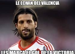 Enlace a Lo echan del Valencia
