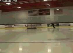 Enlace a GIF: Los jugadores de hockey hielo no sólo dan hostias