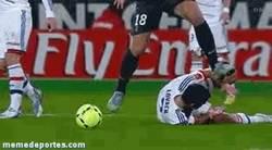 Enlace a GIF: Ibrahimovic disfrazado de Pepe