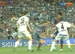 Enlace a GIF: Regate engaño de Ronaldinho