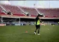 Enlace a Este vídeo de Ronaldinho fue el primero de Youtube en llegar al millón de visionados
